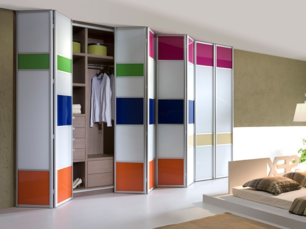 portes-de-placard-pliantes-design-coloré