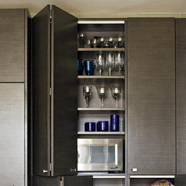 Les portes de placard pliantes pour un rangement joli et for Placard cuisine moderne
