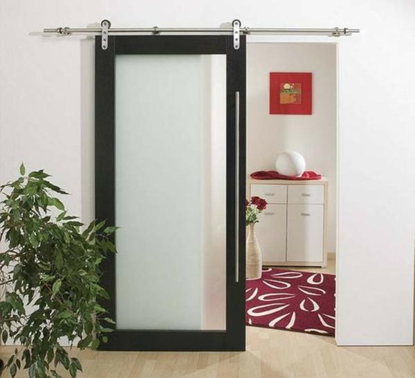 portes-intérieures-vitrées-une-porte-vitré-à-l'encadrement-blanc