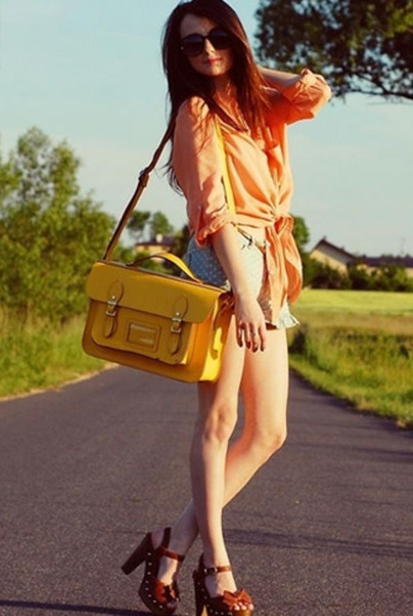 sac-cartable-un-style-vintage-jaune