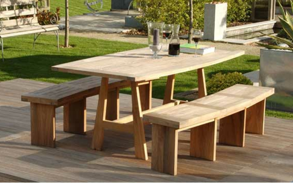 Entretien table teck beautiful la priode estivale touche sa fin les salons de jardin ont t nos for Entretien d un salon de jardin en acacia