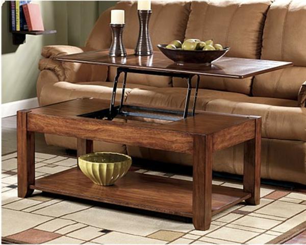 table-basse-avec-plateau-relevable-et-un-sofa-marron