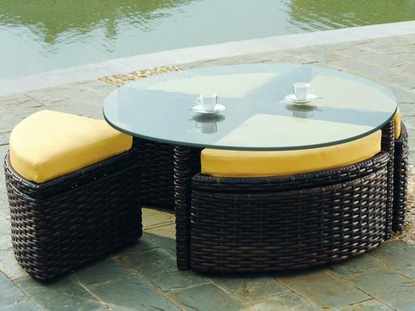 table-basse-avec-pouf-pour-l'extérieur