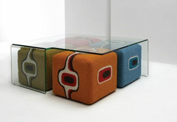 Table Basse Pouf : table-basse-avec-pouf-tabouretsècolorés-et-beaux.jpg