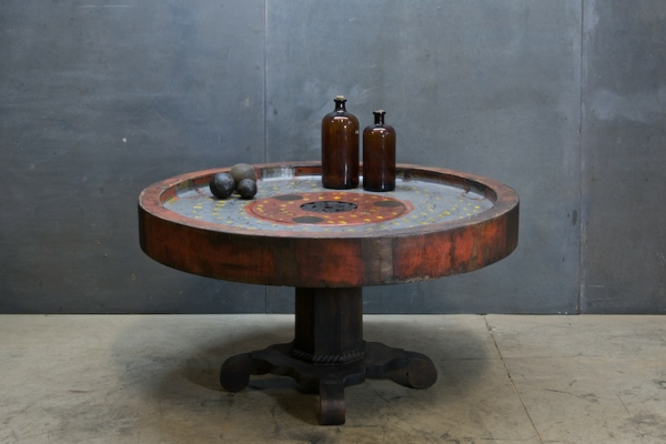 La table basse industrielle pour relooker vos chambres - Table ronde industrielle ...