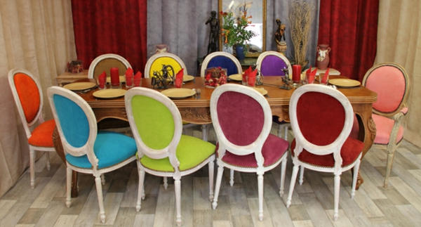 table-chaise-medaillon-couleurs-