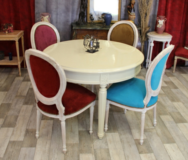 table-chaise-medaillon-couleurs