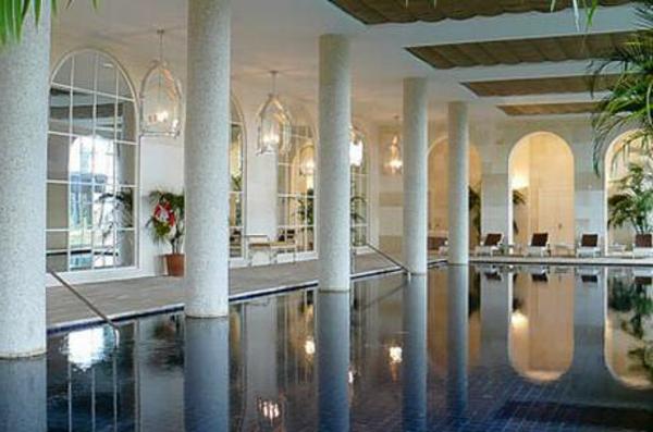 Art Deco--de-piscine-intérieur
