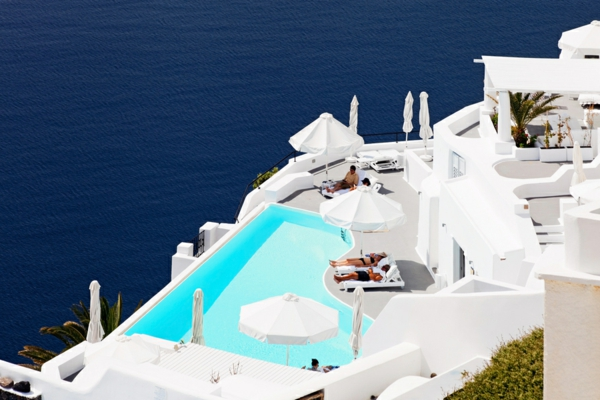 Infinity-Pool-Katikies-Hotel-resized
