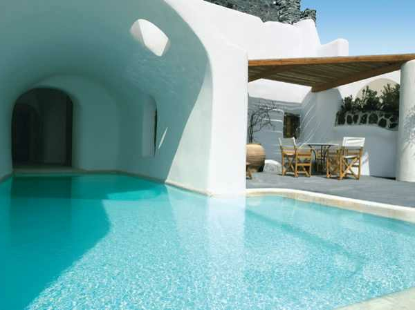 Santorini-Perivolas-Suites-hotels-swimming-pool-house-pool-resized