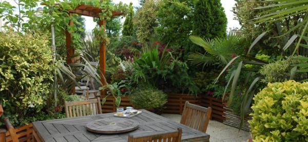 L 39 am nagement de terrasse avec un sol du bois for Amenagement toit terrasse appartement