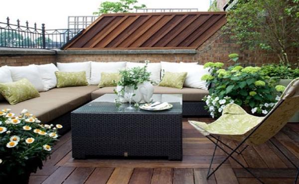 ameublement-contemporain-pour-l'aménagement-de-terrasse