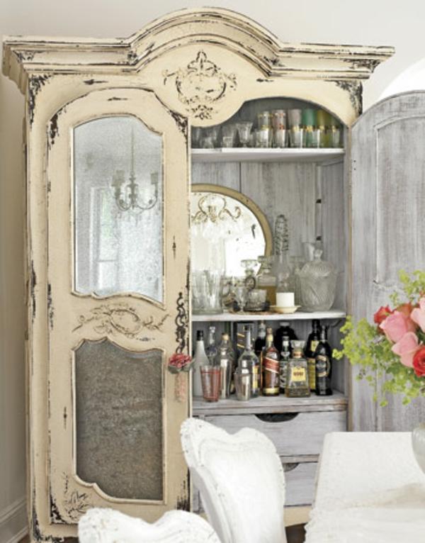 armoire-vintage-en-boit