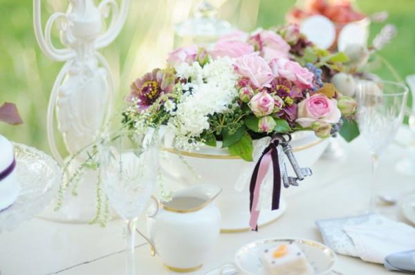 arrangement-de-tabble-avec-des-roses