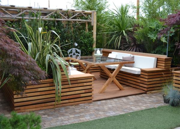 l 39 am nagement de terrasse avec un sol du bois. Black Bedroom Furniture Sets. Home Design Ideas