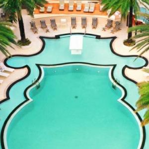 Le art déco de piscine