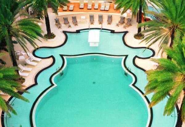 un-exemple-art-deco-de-piscine