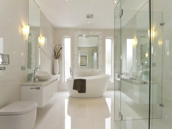 bain-et-décoration-unique-toute-en-blanc