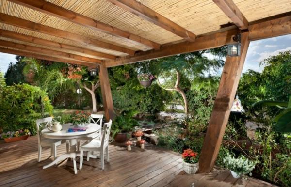 aménagement de terrasse avec un sol du bois