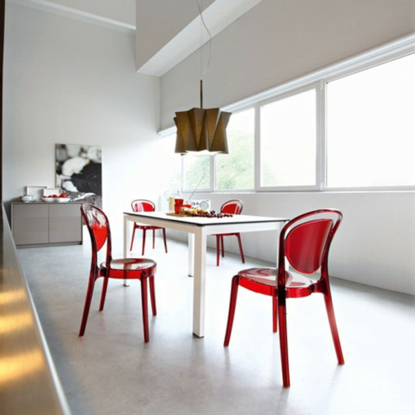 chaise-calligaris-chaises-rouges-transparentes-la-parisienne