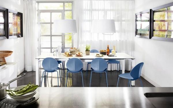 chaise-calligaris-une-salle-de-déjeuner-chaises-bleues-calligaris