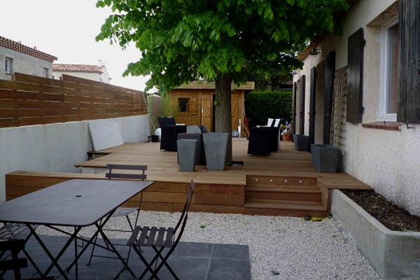 cool-design-d'extérieur-en-bois-au-deux-niveaux