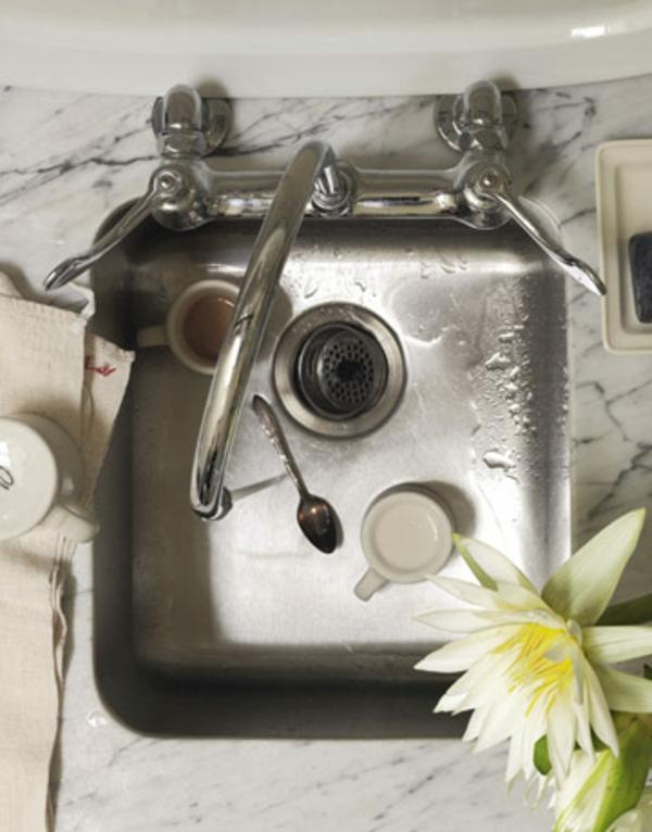 cool-lavabo-pur-un-petit-studio-du-luxe