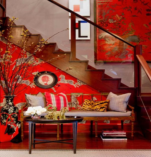 décoration-asiatique-murs-rouges-et-dessins-symbolliques