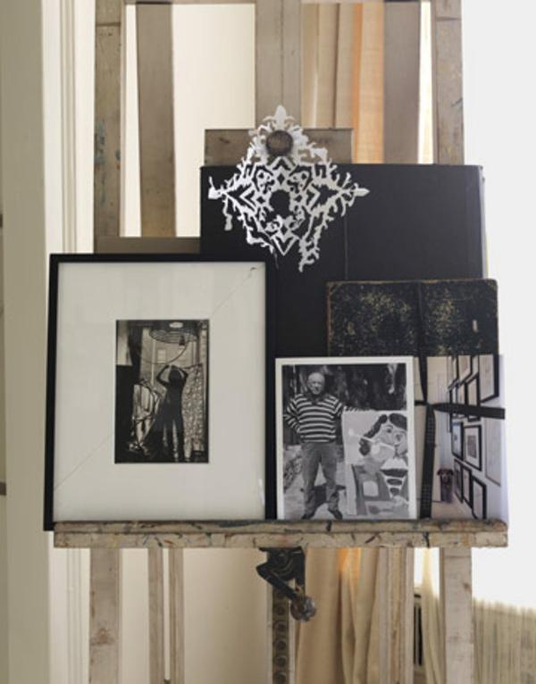 déoration-avec-des-photos-en-cadre-élégant-blnc-et-noir