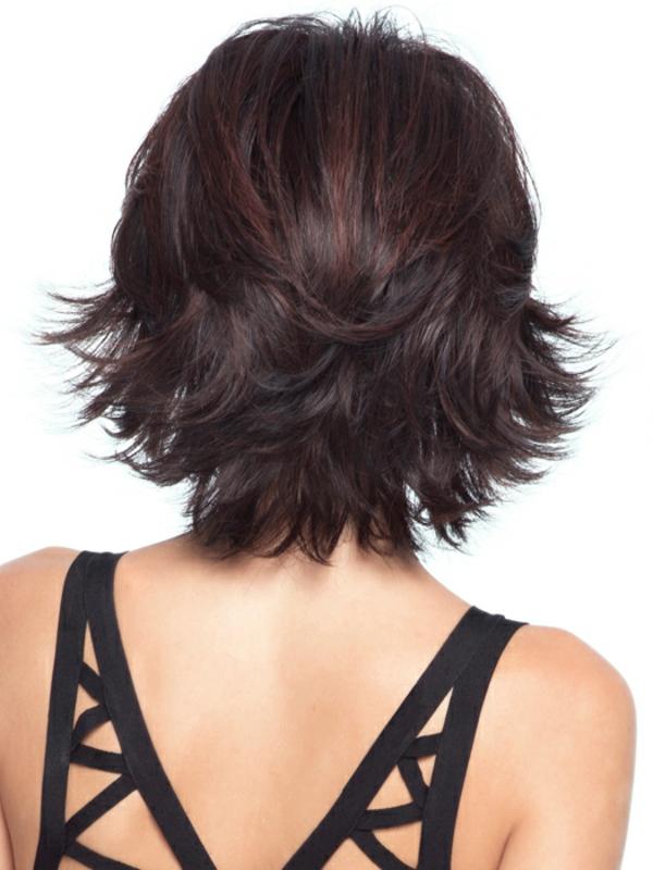 idées-coiffures-pour-cheveux-mi-longs-cheveux-aubergine-foncée