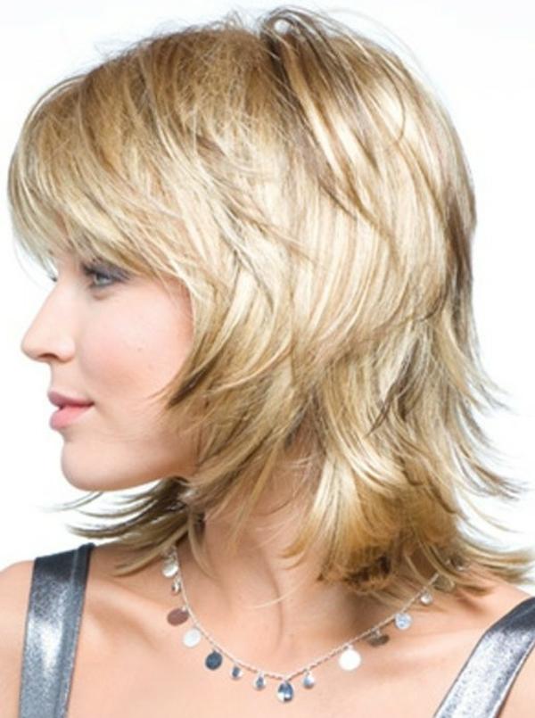 idées-coiffures-pour-cheveux-mi-longs-coiffures-cheveux-fins