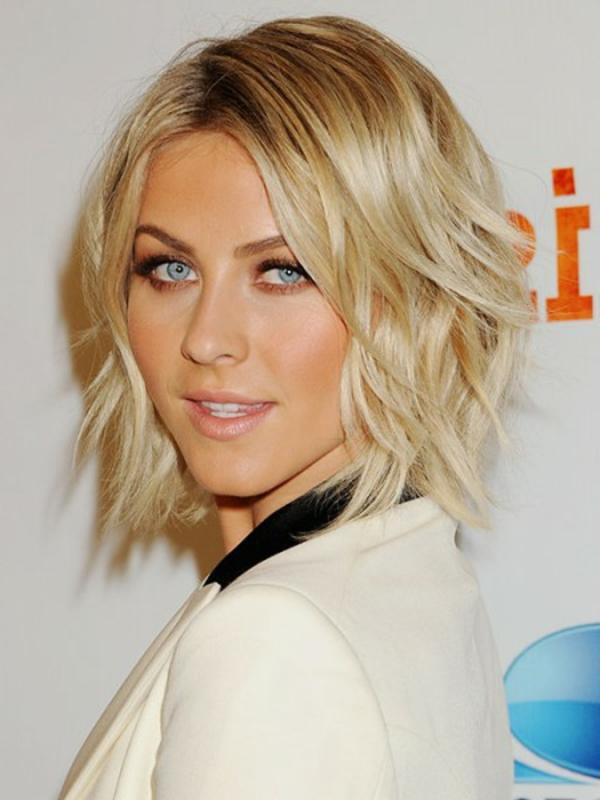 idées-coiffures-pour-cheveux-mi-longs-look-légèrement-ondulant