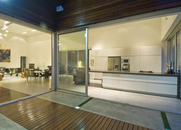 intérieur-de-la-maison-contemporaine-laqué-en-bois-et-style-minimaliste