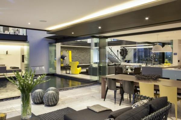 intérieur-de-la-maison-contemporaine-un-grand-espace-avec-un-salle-de-séjour-et-cuisine
