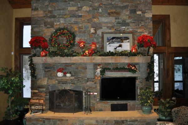 la-cheminée-avec-des-pierres-naturele-et-jolie-décoration-autour-pour-un-jolie-salon