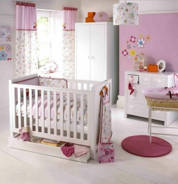le-rose-design-pour-la-chambre-d-'efant-vbébé-fille