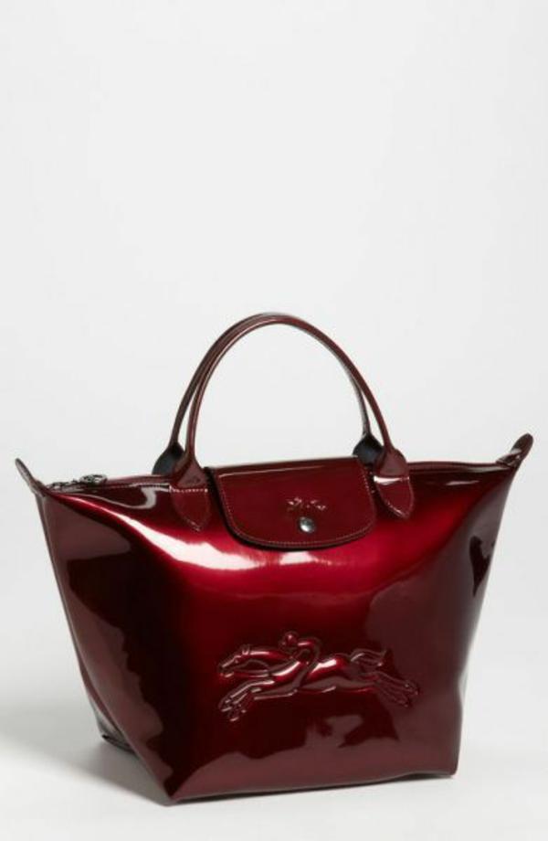 le-sac-à-main-longchamp-couleur-cerise