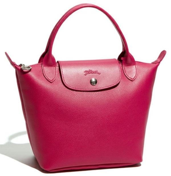 le-sac-à-main-longchamp-en-cuir-rose