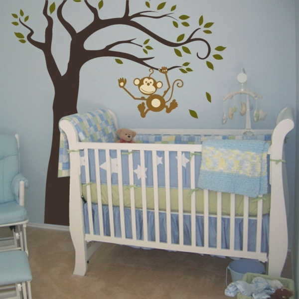 lit-de-bébé-bleu
