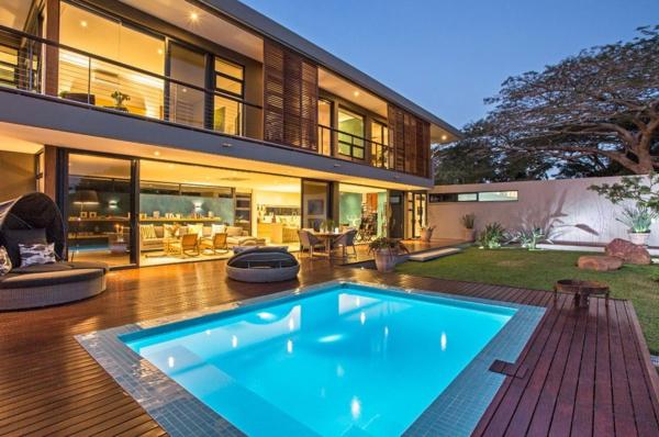 une maison contemporaine exotique en afrique. Black Bedroom Furniture Sets. Home Design Ideas