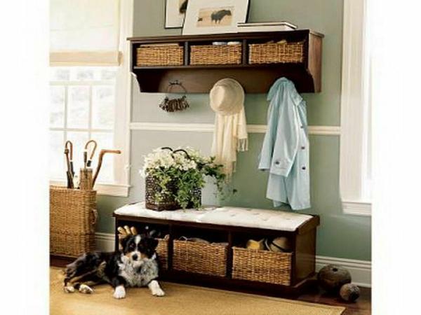 meuble-vestiaire-et-un-chien