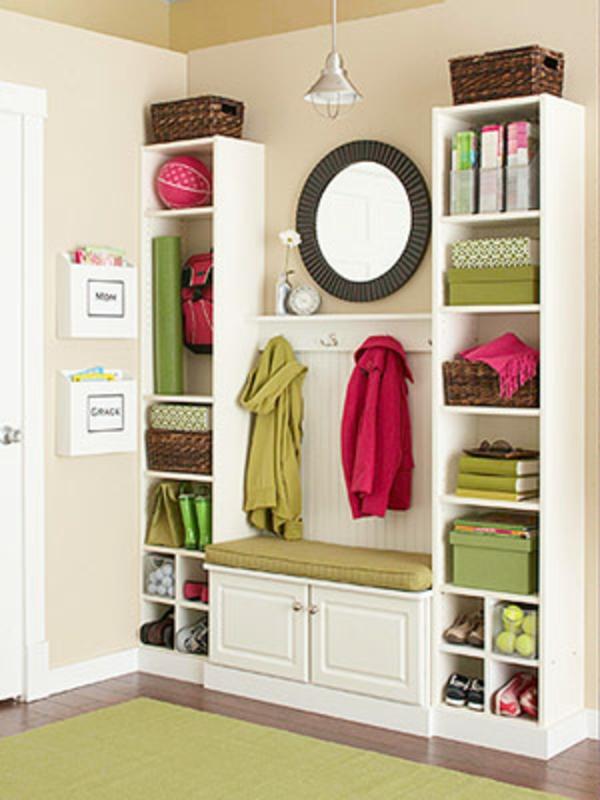 meuble-vestiaire-un-joli-meuble-colonne-et-miroir-rond
