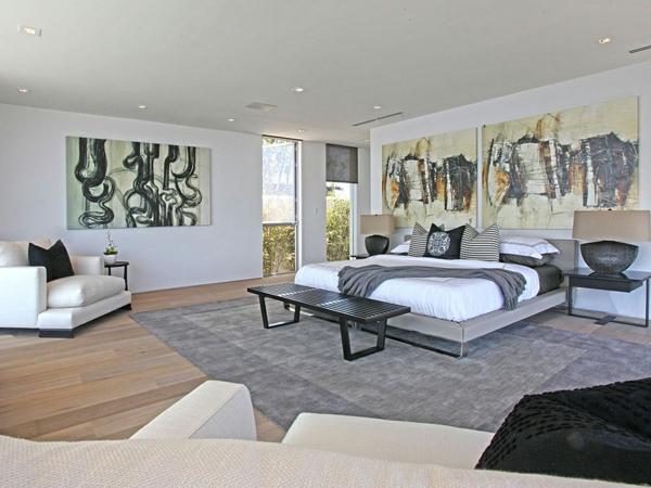 peinture-abstraite-art-abstrait-dans-une-vaste-chambre-à-coucher