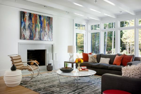 peinture-abstraite-une-cheminée-grandes-fenêtres
