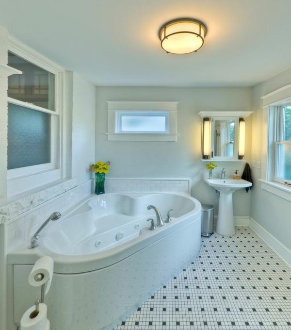 petite-baignoire-d' angle-baignoire-blanche-intérieur-magnifique