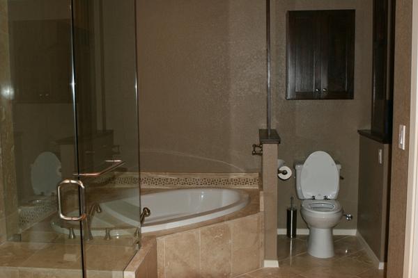 petite-baignoire-d' angle-baignoire-encastrée