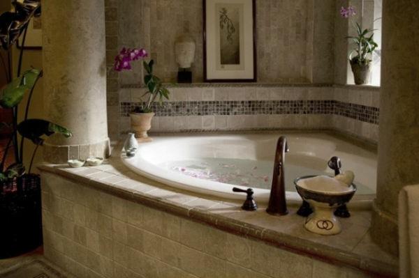 petite-baignoire-d'angle-petite-baignoire-encatsrée
