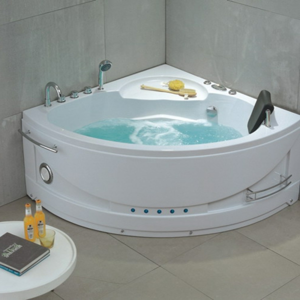 petite baignoire balneo maison design. Black Bedroom Furniture Sets. Home Design Ideas