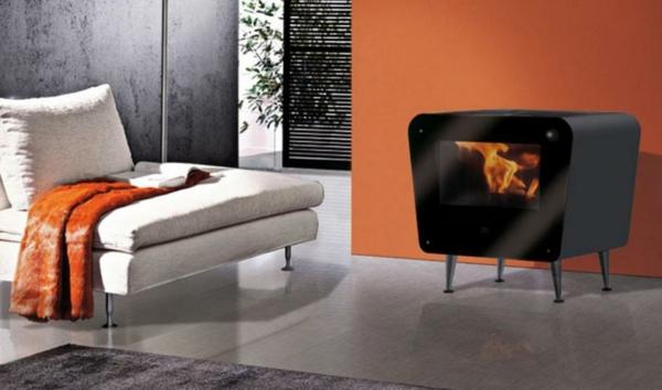 poêle-à-pellets-design-moderne-canapé-blanc-en-textile