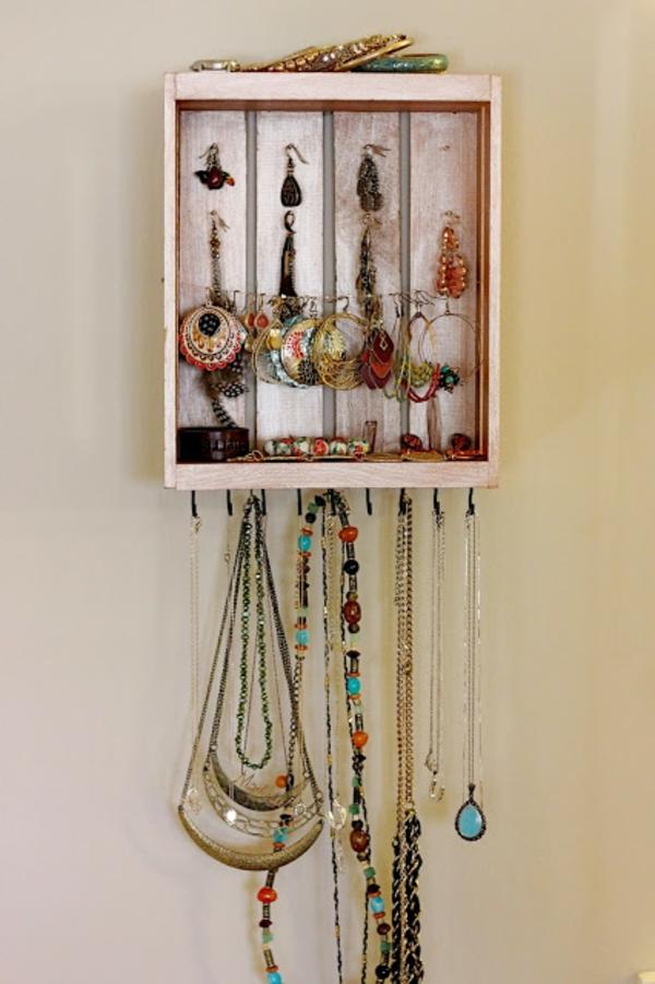 porte-bijoux-mural-bijoux-éthno